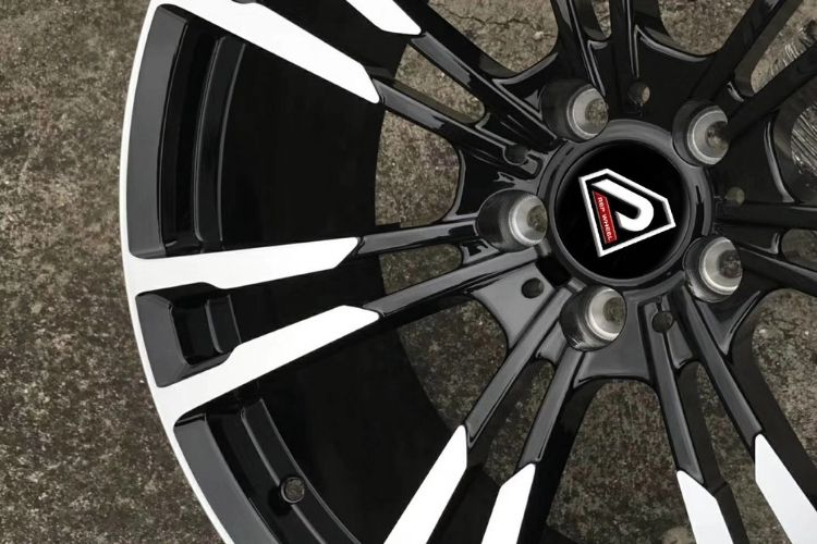 BMW New M5 19inch 5 holes Black Machined Face alloy wheels