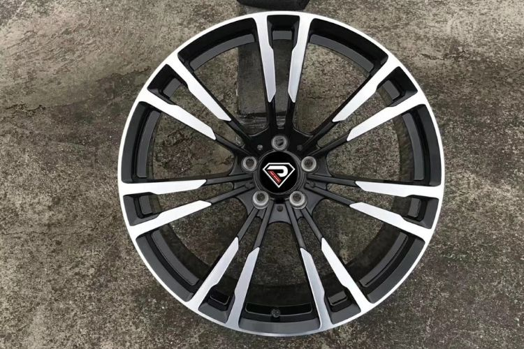 BMW New M5 20inch 5 holes Black Machined Face alloy wheels