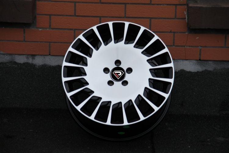 Mercedes Benz Maybach 19inch alloy wheels