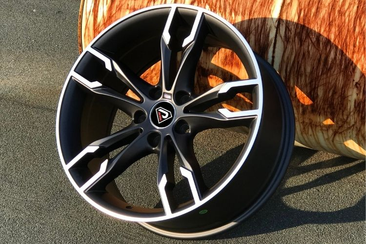 BMW 550i 19inch 5-120 Black Machined Face Alloy wheels