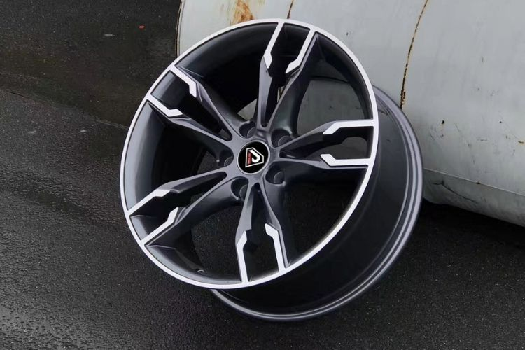 BMW 550i 19inch 5-120 Gunmetal Machined Face Alloy wheels