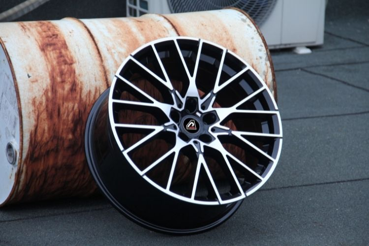 BMW M2 18inch Black Machined Face alloy wheels