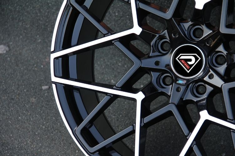 BMW M8 20inch 5 holes black machined face alloy wheel