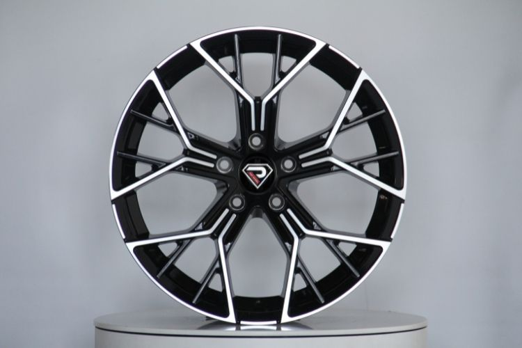 BMW New M8 18inch 19inch Black machined face alloy wheels