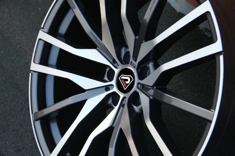 BMW X5 2019 20inch Front and rear Multi-spoke Gunmetal Machined Face alloy wheels