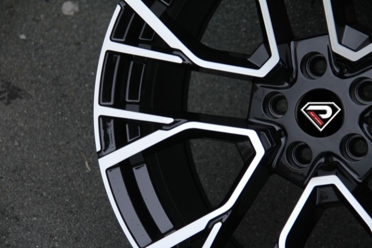BMW X5M 2020 5 stronger spokes Black Machined Face Alloy Wheels
