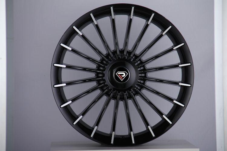 Alpina B7 5-120 Big Center Cap Black Machined Face Alloy wheels