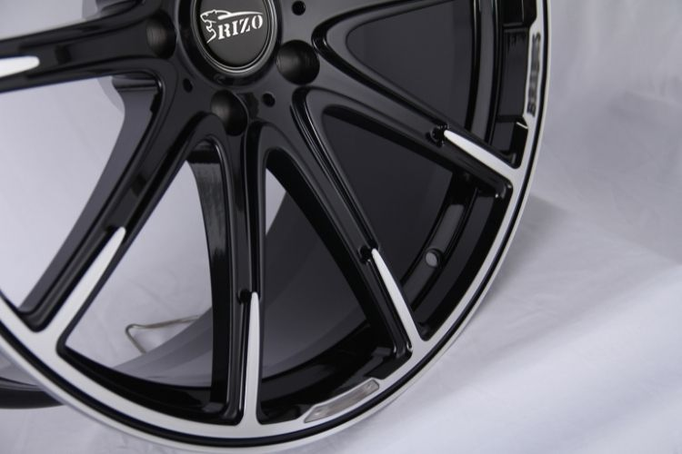 BRABUS 24inch Monoblock thin spokes Black Machined Face Forged wheels