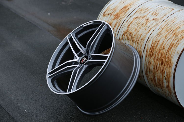 Mercedes-Benz-20inch-staggered-E-class-Alloy-wheels