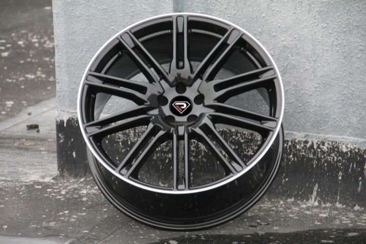 PORSCHE CAYENNE TURBO 10 spokes Black Machined Lip Alloy wheels