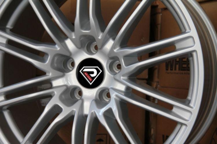 PORSCHE CAYENNE TURBO 5 holes Sliver Alloy wheels